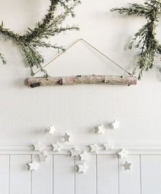 30 Minimal Christmas Decor Ideas for The Subtle-Lovers Out There! 30 Minimal Christmas Decor Ideas for The Subtle-Lovers Out There! Noel Christmas, Rustic Christmas, Xmas, Christmas Projects, Christmas Island, Homemade Christmas, Winter Christmas, Christmas 2019, Scandinavian Christmas Decorations
