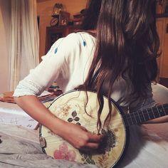 pretty banjo.