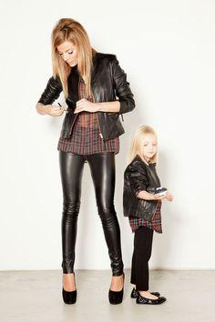 Ambas con estilo y a la #moda... ;)
