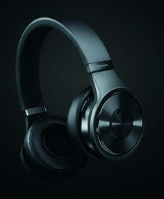 MX9 - indigo black. This Superior Club Sound headphone is designed to help you re-enact the clubbing experience