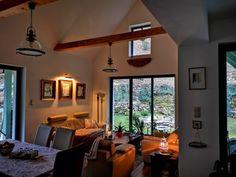 A festői Hámor dombjain között felcsillan egy mesebeli házikó | Csodás hazai otthonok
