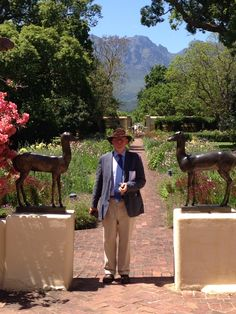 James Bolton of Borderlines, the excellent garden tour company.  Here he is in South Africa. Read more about Borderlines on www.doddingtonplacegardens.co.uk blog.