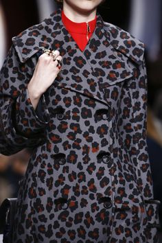 Christian Dior Fall 2016 Ready-to-Wear Fashion Show Details