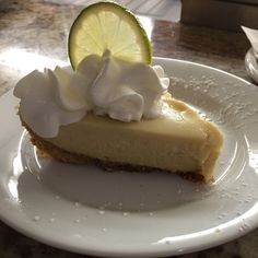 Key Lime Desserts, Cute Desserts, Lemon Desserts, Summer Desserts, Delicious Desserts, Lime Recipes, Sweet Recipes, Cheesecake Recipes, Dessert Recipes