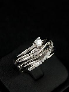 Stříbrný prsten 925 punc, zirkon, rhodiovaný. 53-701-6267