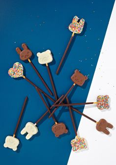 Choco Pocky Pops by thedesignfiles: So cute! #Pops #Chocolate