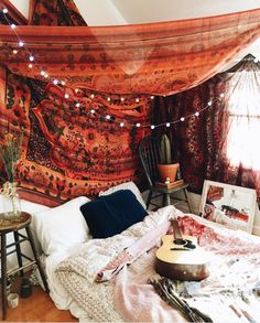hippy boho style for young people, soft, textiles, indian, ethnic, cool interior decor