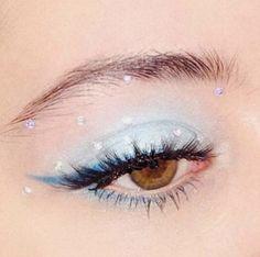 is eyeshadow makeup makeup yang bagus eye makeup makeup smokey eyes makeup simple makeup everyday makeup price in makeup Makeup Eye Looks, Eye Makeup Art, Cute Makeup, Glam Makeup, Pretty Makeup, Makeup Inspo, Skin Makeup, Eyeshadow Makeup, Makeup Inspiration