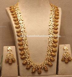 22 carat gold antique Lakshmi mango mala and matching earrings studded with uncut diamonds by Musaddilal Gems and Jewels, Jubilee Hills, Hyderabad. Wedding Jewellery Designs, Indian Wedding Jewelry, Indian Jewellery Design, Latest Jewellery, Indian Jewelry, Bridal Jewelry, Jewelry Design, Gold Jewelry, Diamond Jewellery