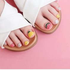 Do you feel that as you get older, you become more and more dull and have no personality. It is time to add some energy to yourself. Let's take a look at the cute nail style that I recommend to you. Trendy Nail Art, Cute Nail Art, Cute Acrylic Nails, Stylish Nails, Feet Nail Design, Toe Nail Designs, Glam Nails, Beauty Nails, Kawaii Nails