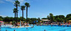 Alles op dit campingresort Portofelice is erop gericht het hele gezin een onvergetelijke vakantie te bezorgen.  De camping ligt in de nabijheid van de Adriatische Zee en het mooie zandstrand is te voet snel te bereiken.  Het prachtige zwembad is aangelegd op een eiland met palmen. In dit complex van zwembaden kunt u niet alleen zwemmen en spelen, maar ook relaxen: er zijn watervallen, bubbelbaden en fonteinen. In het vlakke deel voor de kinderen staat een leuke paddestoel;