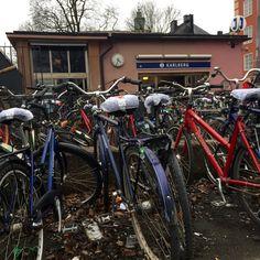 parking bikes