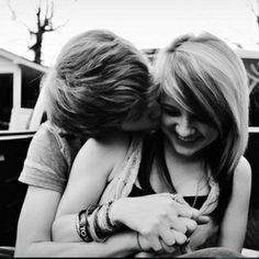 São mensagens sobre oque uma garota pode passar...amor...ódio...medo...ou ser machucada por alguem q ela gosta... Aki e o que eu sinto e que varias meninas também devem sentir...mtos garotos não sabem cuidar das meninas...e essas meninas não merecem chorar por esse garotos...ou ate mesmo aquelas q estão super apaixonadas por um e querem ler coisas super românticas...ou sobre amigas como as minhas...e ate mesmo por aquelas garotinhas falsas que da vontade de murrar a cara...kkkk...mas sem…