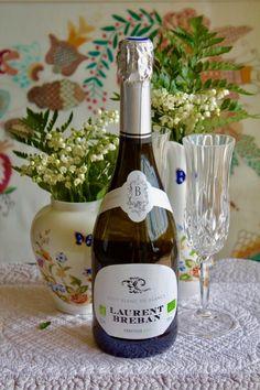"""Sparkling wine of Provence """"Laurent Breban"""", wine of Provence, sparkling french wine French Wine, Packaging, Aix En Provence, Ceramic Tableware, Sparkling Wine, Carafe, Art Decor, Sparkle, France"""