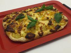 La pizza dedicata alle donne da Gino Sorbillo, ma senza glutine:   https://stellasenzaglutine.com/2016/04/19/la-pizza-di-gino-sorbillo-con-patate-mais-e-provola-ma-senza-glutine/
