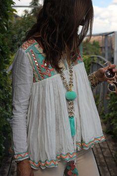 27 New Ideas Moda Boho Ibiza Clothes Source by Fashion outfits Gypsy Style, Boho Gypsy, Hippie Style, Bohemian Style, Boho Chic, Bohemian Fashion, Boho Hippie, Modern Hippie, Vintage Bohemian