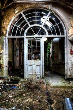 Abandoned Whittingham asylum in the UK urbex decay www.lost-in-time-ue.nl