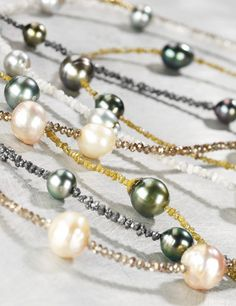 What is better than raw diamonds mixed with pearls! Raw Stone Jewelry, Pearl Jewelry, Beaded Jewelry, Pearl Necklaces, Diamond Necklaces, Raw Diamond, Diamond Cuts, Tahitian Pearl Necklace, Schmuck Design
