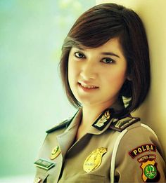 Polisi-KPK-2 Indonesia Army Police, Outdoor Girls, Indonesian Girls, Military Women, Just Beauty, Girls Uniforms, Girl Next Door, New Image, Beautiful Women