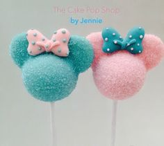 Minnie pink and blue -- by The Cake Pop Shop -- on http://RoseBakes.com -- 6-24-16