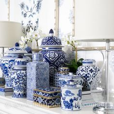 33 Nice Ginger Jars Decor For Living Room Decoration - Decorating in the Asian style is a real exercise in creating balance, tranquility and harmony among the items of daily living and nature. Blue And White Vase, White Vases, Hamptons Style Decor, The Hamptons, Blue Pottery, Chinoiserie Chic, Decorated Jars, Blue China, Ginger Jars