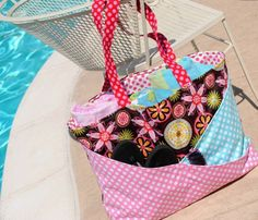 Free Bag Pattern and Tutorial - Sunny Days Beach Bag