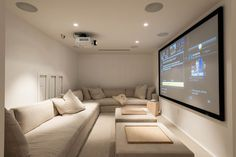 33 Well-Designed Contemporary Home Cinema Furniture Ideas for the Basement Renovations