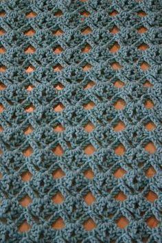 Really nice stitch. Would make lovely sweater. Diamond Lace Crochet Stitch Tutorial