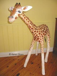Giraffe sculpture - Papier mache - Almost life sized! Paper Clay, Diy Paper, Paper Art, Classroom Art Projects, School Projects, Paper Mache Animals, Paper Mache Crafts, Paper Mache Sculpture, Flower Studio