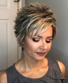 Pixie Haircut For Thick Hair, Short Choppy Hair, Funky Short Hair, Short Straight Hair, Short Hair With Layers, Short Hair Cuts For Women, Short Pixie, Pixie Cut, Frosted Hair