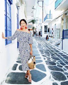 Nicole Warne in Mykonos, Greece
