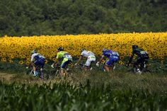 #TourTVE Crónica:  Rogers triunfa en Bagnères de Luchon mientras hierve la lucha por el podio http://rtve.es/n/979260/ pic.twitter.com/GjBEE5anGu