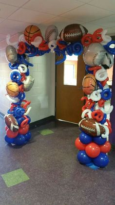 Sports themed balloon arch by Events by Car'Lisa - Balloon Decorations 🎈 Sports Themed Birthday Party, Football Birthday, Sports Party Favors, Boy Birthday, Balloon Arch, Balloons, Deco Ballon, Theme Sport, Football Themes