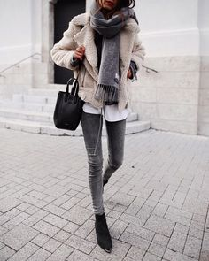 Teen Clothing chic winter outfit for young women, casual chic winter outfit for women in their. Mode Outfits, Chic Outfits, Trendy Outfits, Fashion Outfits, Womens Fashion, Trendy Clothing, Layered Outfits, Latest Fashion, Casual Winter Outfits