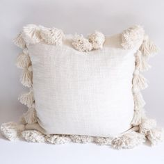 Cloud Tasseled 18 Inch Cotton Pillow