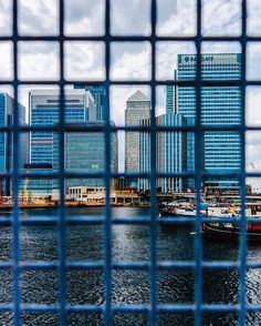 #29 Boulevards streets skyscrapers n bridges. Concrete steel cables n fences. Grey emotions and no senses. . #London #CanaryWharf #Cityscape #Thames #Skyscraper #Urban #Downtown #Landscape #Street #streetdreamsmag #shoot2kill #exploretocreate by karoliskj