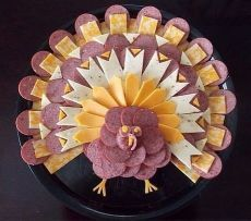 Thanksgiving, sausage and Cheese Tray Turkey Holiday Appetizers, Holiday Treats, Holiday Recipes, Breakfast Appetizers, Fun Recipes, Dishes Recipes, Holiday Foods, Yogurt Recipes, Cooking Recipes