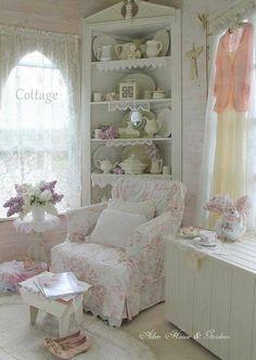 Cozy cottage decor