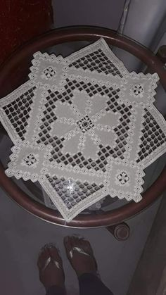 Hardanger Embroidery, Bargello, Hacks Diy, Lace, Crafts, Towels, Cross Stitch, Craft, Needle Lace