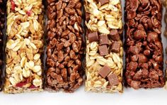 How can you tell if your go-to snack is a boost of nutrition or just a candy bar disguised as healthy food? An expert explains the differences so you can make the smart choice. Sweet Recipes, Whole Food Recipes, Dog Food Recipes, Low Carb Protein Bars, Ideal Protein, Healthy Snacks, Healthy Eating, Healthy Bars, Nutrition Bars