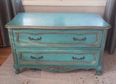 The stunning turquoise blue and gold color combination on this French piece reminds me of the colors on the Tiffany's box.