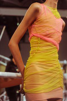 Supriya Lele LFW London Fashion Week Source by natraayuni Fashion outfits Fashion Killa, Runway Fashion, Fashion Show, Fashion Outfits, Womens Fashion, Fashion Design, London Fashion, Fashion 2018, High Fashion Dresses