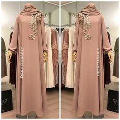 I don& like the flowers , Modern Hijab Fashion, Muslim Women Fashion, Abaya Fashion, Modest Fashion, Fashion Dresses, Bollywood Outfits, Pakistani Outfits, Bollywood Fashion, Flattering Dresses