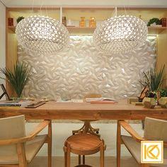 Cada detalhe do Refúgio do Benjamim foi cuidadosamente pensado e organizado para que a harmonia fosse completa, afinal este é um ambiente de descanso, relaxamento e concentração. Um médico de sucesso com certeza desfrutaria de ótimos momentos aqui! #ProjetodeArquitetura #Arquitetura #Decor #MostraCasaCor #CasaCorGoias2016 #RefugioDoBenjamim #Detalhes #KarlaOliveira #StudioKarlaOliveira
