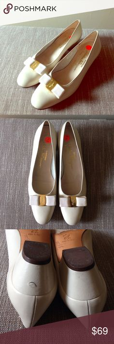 Vintage Ferragamo Vara Pumps Timeless and classic pump by Salvatore Ferragamo. Grosgrain bow. Size 10AAAA. Excellent pre-owned condition, see pictures. Ferragamo Shoes Flats & Loafers
