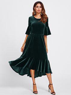6cc2c8b034546 Trumpet Sleeve Flounce Hem Velvet Dress -SheIn(Sheinside) Robes D automne