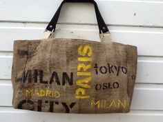 Trendy Bag Description Bag hand-painted burlap, lined beige waterproof canvas with pocket Burlap Coffee Bags, Coffee Sacks, Burlap Bags, Jute Bags, Sacs Tote Bags, Reusable Tote Bags, Painted Bags, Painted Burlap, Hand Painted