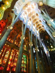 Gimme Some Barcelona Travel Guide Barcelona Travel Guide, Barcelona Food, Barcelona Spain, Diesel Brand, Lakefront Homes, Blogger Tips, Spain Travel, Restaurants, Oven