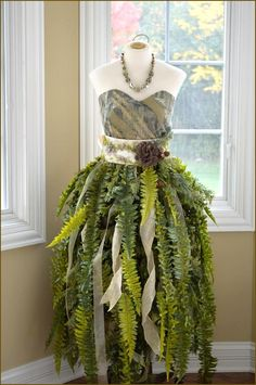 DIY Mannequin Christmas Tree – 9 Dress Form Tutorials (Free) Fern on Mannequin<br> Call it a Dress Form Christmas Tree, or a Mannequin Christmas Tree. We call it ingenious! This is the most insanely original and clever idea we've seen in Read Dress Form Christmas Tree, Christmas Tree Costume, Diy Christmas Tree, Christmas Cactus, Natural Christmas, Fairy Costume Diy, Woodland Fairy Costume, Fairy Costumes, Renaissance Fairy Costume