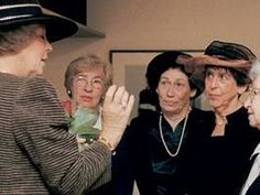 Queen Beatrix meets family and old friends of Anne Frank during the opening of the renewed museum in 1999.  From left to right: Til Gardeniers, chair of the board of the Anne Frank House, Queen Beatrix Eva Schloss, Hannah Pick-Goslar, Jacqueline Sanders-van Maarsen, Miep Gies and Buddy Elias.